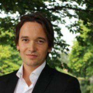 Joel aan 't Goor - https://www.linkedin.com/in/joel-aan-t-goor-b60403a/nl