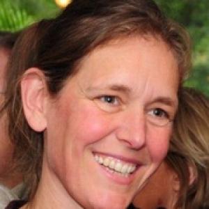 Martine van Eijk - https://www.linkedin.com/in/mecvaneijk/nl